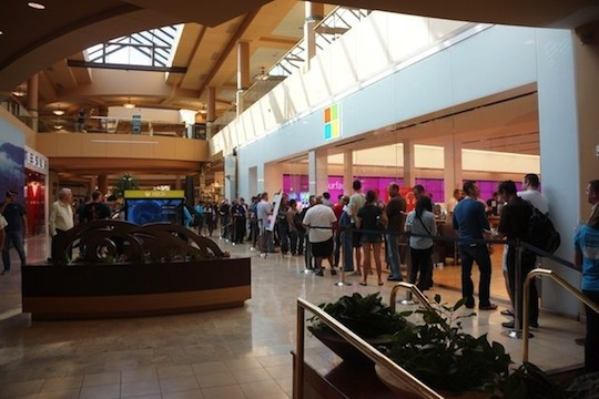 Long Lines In Front Of Microsoft Stores This Morning For Surface Launch