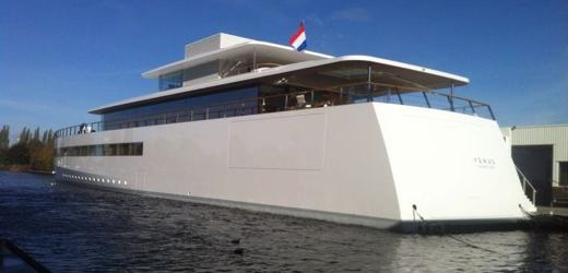 steve-jobs-yacht1.png