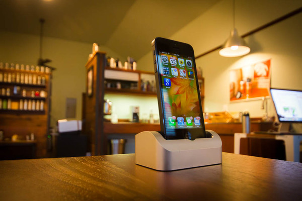 Elevation Dock Lightning Adapter And iPhone 5 Model Now Available
