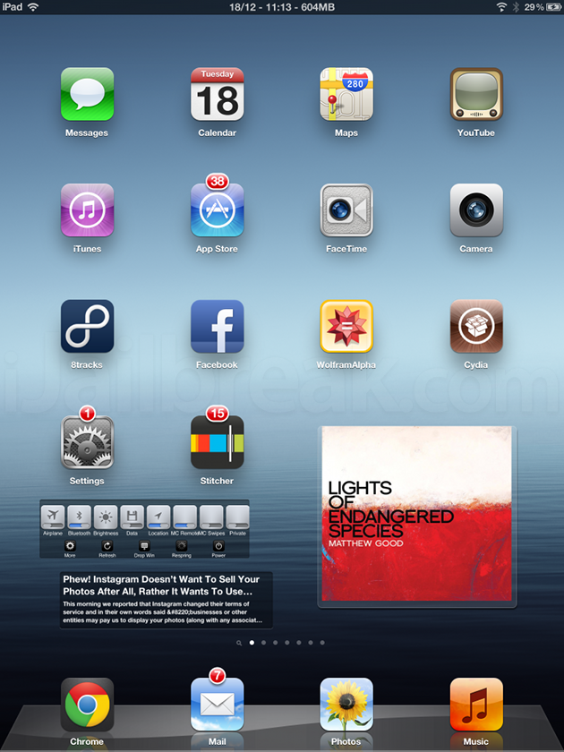 CenterBadges Cydia Tweak